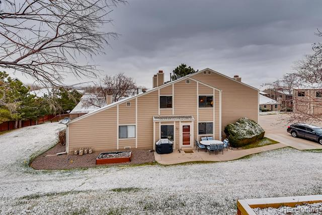 18328 W 58th Place, golden MLS: 5529419 Beds: 2 Baths: 2 Price: $360,000