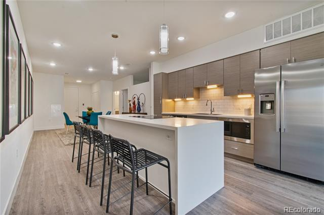 3500 S Corona Street, englewood MLS: 9512866 Beds: 2 Baths: 2 Price: $484,000