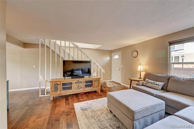 4208 E Maplewood Way , Centennial  MLS: 6896164 Beds: 2 Baths: 3 Price: $375,000