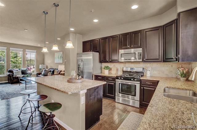 1000  Elmhurst Drive, highlands ranch MLS: 3027310 Beds: 3 Baths: 3 Price: $525,000